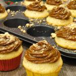 Muffinki orzechowe z kajmakiem (video)
