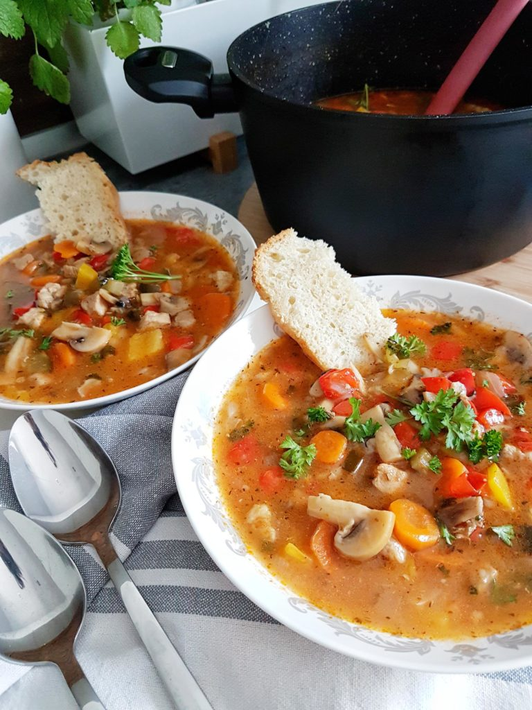 Zupa gulaszowa jednogarnkowa